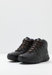 Timberland - WORLD HIKER MID - Bottines à lacets - black - 2
