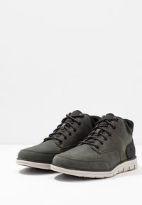 Timberland - BRADSTREET MOLDED - Baskets montantes - dark green - 2