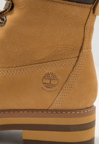 Timberland - COURMA GUY BOOT WP - Lace-up ankle boots - medium brown - 5