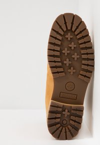 Timberland - COURMA GUY BOOT WP - Nauhalliset nilkkurit - medium brown - 4