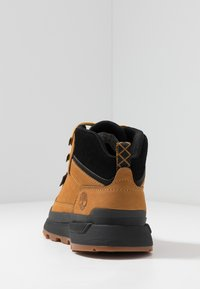 Timberland - FIELD TREKKER MID - Lace-up ankle boots - wheat/black - 3