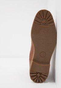 Timberland - FOLK GENTLEMAN CHELSEA - Stivaletti - medium brown - 4