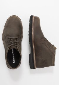 Timberland - SQUALL CANYON WP CHUKKA - Lace-up ankle boots - olive - 1