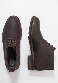Timberland - WINDBUCKS CHUKKA WP - Lace-up ankle boots - dark brown - 1