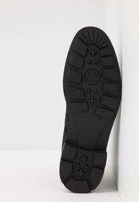 Timberland - WINDBUCKS CHUKKA WP - Lace-up ankle boots - black - 4