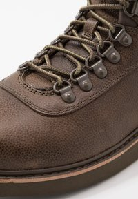 Timberland - NEWMARKET BOOT - Lace-up ankle boots - olive - 5