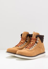 Timberland - NEWMARKET BOOT - Lace-up ankle boots - wheat - 2