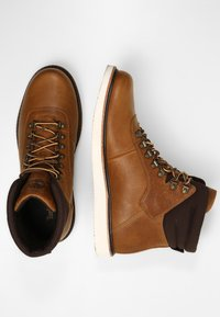 Timberland - NEWMARKET BOOT - Lace-up ankle boots - mottled brown - 1