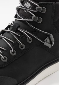 Timberland - NEWMARKET CHUKKA BOOT - Lace-up ankle boots - black - 5