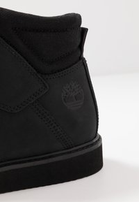 Timberland - NEWMARKET LOW BOOT - Lace-up ankle boots - black - 5