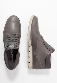 Timberland - BRADSTREET - Lace-up ankle boots - mid grey - 1