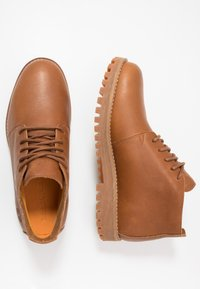 Timberland - JACKSON'S LANDING - Lace-up ankle boots - brown - 1