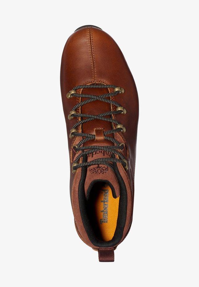 Sznurowane obuwie sportowe - md brown full grain