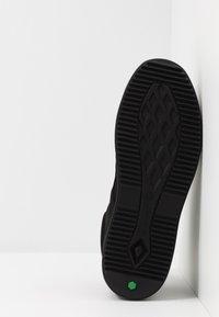 Timberland - CITYROAM CHUKKA - Höga sneakers - blackout - 4