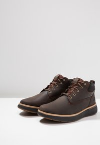 Timberland - CROSS MARK GTX CHUKKA - Lace-up ankle boots - potting soil - 2