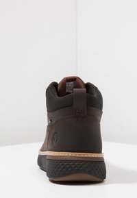 Timberland - CROSS MARK GTX CHUKKA - Lace-up ankle boots - potting soil - 3