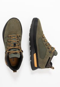 Timberland - FIELD TREKKER - Sneaker low - dark green - 1