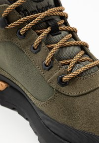 Timberland - FIELD TREKKER - Sneaker low - dark green - 5