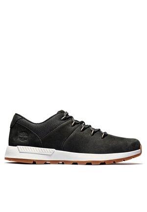 Sznurowane obuwie sportowe - black nubuck