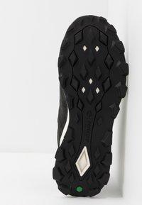 Timberland - BROOKLYN CITY MID - Zapatillas altas - black - 4