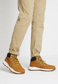 Timberland - BROOKLYN HIKER - High-top trainers - wheat - 0