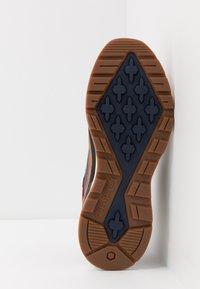 Timberland - FIELD TREKKER - Sneaker high - medium brown - 4