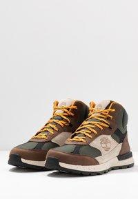 Timberland - FIELD TREKKER - Höga sneakers - dark brown/light taupe - 2