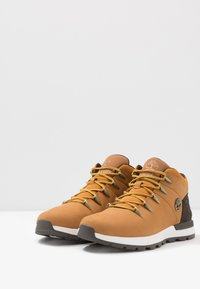 Timberland - SPRINT TREKKER - Höga sneakers - wheat/brown - 2