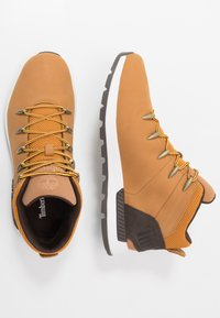 Timberland - SPRINT TREKKER - Höga sneakers - wheat/brown - 1