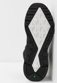 Timberland - SPRINT TREKKER - High-top trainers - black - 4