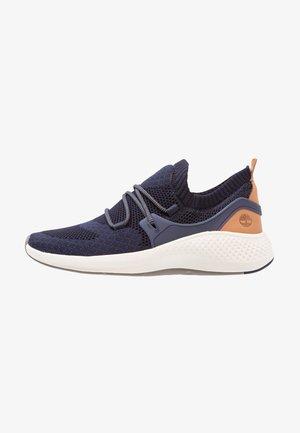FLYROAM GO KNIT OXFORD - Sneakers laag - black iris