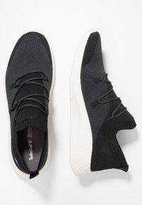 Timberland - FLYROAM GO - Sneakers laag - black - 1