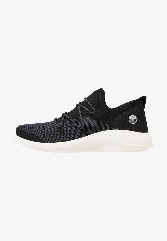 FLYROAM GO - Sneaker low - black