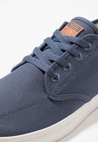 Timberland - UNION WHARF - Sneakersy niskie - dark blue - 5