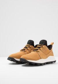 Timberland - BROOKLYN LACE OXFORD - Sneakersy niskie - wheat - 2