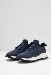 Timberland - BROOKLYN LACE OXFORD - Zapatillas - navy - 2