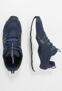 Timberland - RIPCORD LOW SNEAKER - Sneakers basse - navy - 1