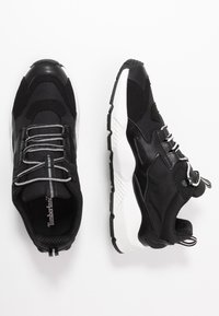 Timberland - RIPCORD LOW SNEAKER - Trainers - black/white - 1
