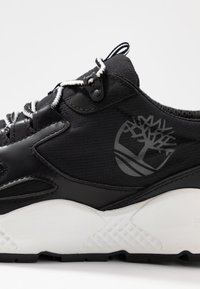 Timberland - RIPCORD LOW SNEAKER - Trainers - black/white - 5