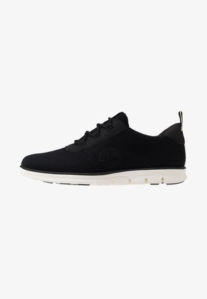 BRADSTREET - Trainers - black