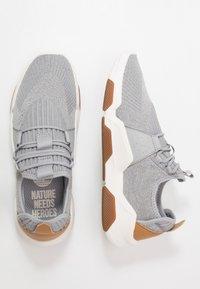 Timberland - EARTH RALLY - Sneakersy niskie - medium grey - 1