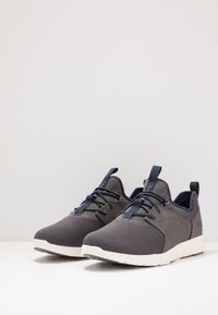Timberland - KILLINGTON - Matalavartiset tennarit - medium grey - 2