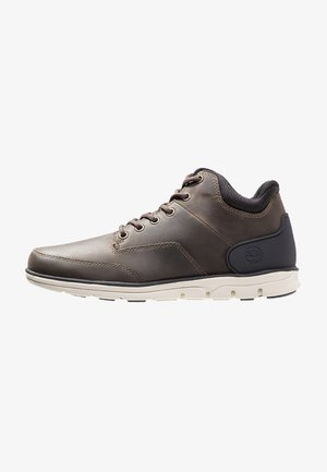 Trainers - olive full grain