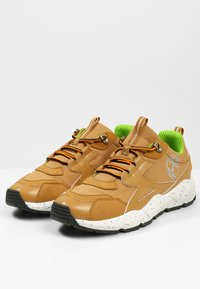 Timberland - RIPCORD - Sneakersy niskie - spruce yellow - 2