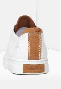 Timberland - ADVENTURE  OXFORD - Sneakersy niskie - white - 3