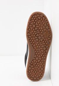 Timberland - DAVIS SQUARE - Sneaker low - black - 4