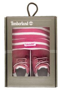 Timberland - Geboortegeschenk - fuchsia rose - 8