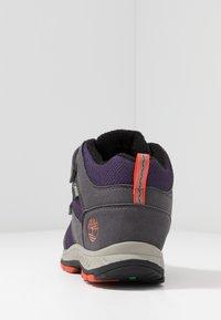 Timberland - NEPTUNE MID GTX 2STRAP - Winter boots - medium grey/navy - 4