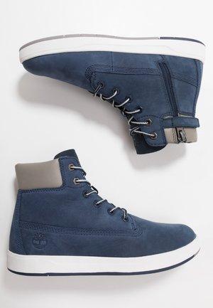 DAVIS SQUARE 6 INCH - Sneakers hoog - navy