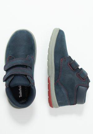 TODDLE TRACKS BOOT - Dětské boty - navy